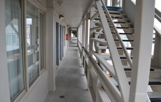 Beach Motel San Francisco - Exterior Corridors